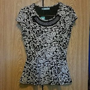 NWOT Maurices Women's Peplum Top